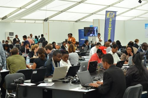 Article : #Photo – La presse du monde entier au #sommetmada16